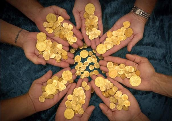 O comoară din monede de aur o fost găsită în interiorul unui pian: Cum a fost descoperită