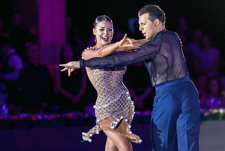 (VIDEO) Doi dansatori din Republica Moldova au câștigat medalia de aur la un Campionat European