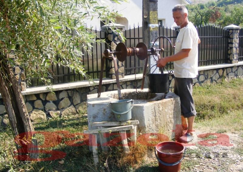 Mare atenție la apa pe care o consumați: Fântânile din Republica Moldova ar putea fi poluate