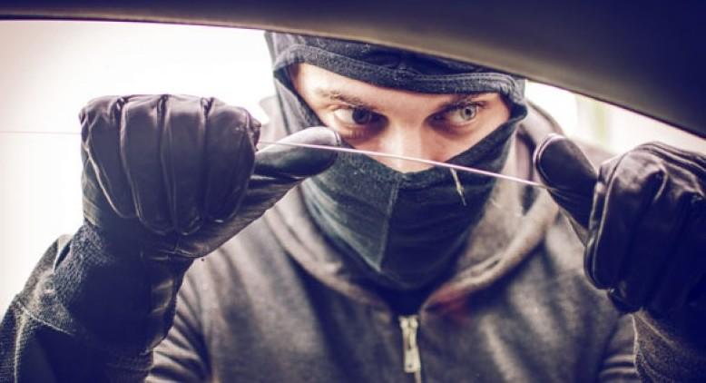 Furturile din automobile sunt tot mai frecvente: Iată 5 pași simpli ca să-ți protejezi mașina de hoți
