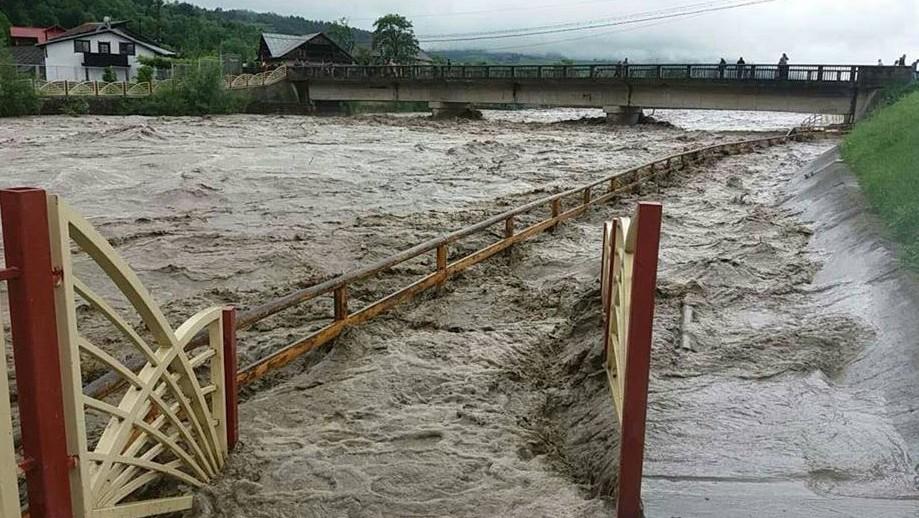 Risc de inundații în Republica Moldova: Un nivel de apă, care nu a fost atins niciodată