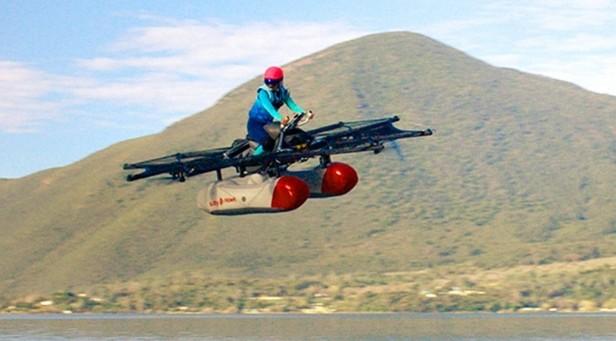 (VIDEO) Imagini fabuloase cu o mașină zburătoare: Aceasta va fi disponibilă în SUA