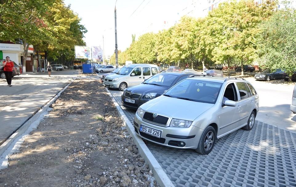 Petiție online: Un grup de locuitori ai Chișinăului cer anularea  proiectului parcărilor cu plată