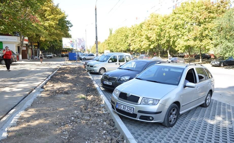 Dezabterile publice privind parcările cu plată din Chișinău au fost amânate