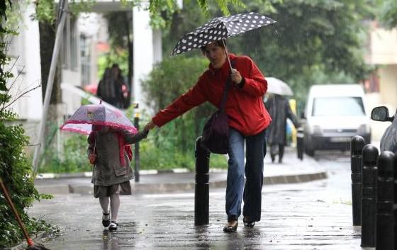 (METEO) De la îngheț la soare vremea rămâne instabilă: Weekendul viitor vom avea ploi