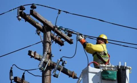 Circa 5 zile de întuneric pentru încă 29 de localități, care rămân a fi neconectate la sursa de energie
