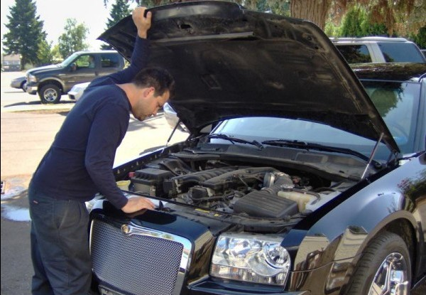 Recomandările specialiștilor: 5 reparații pe care le poți face singur la mașina ta