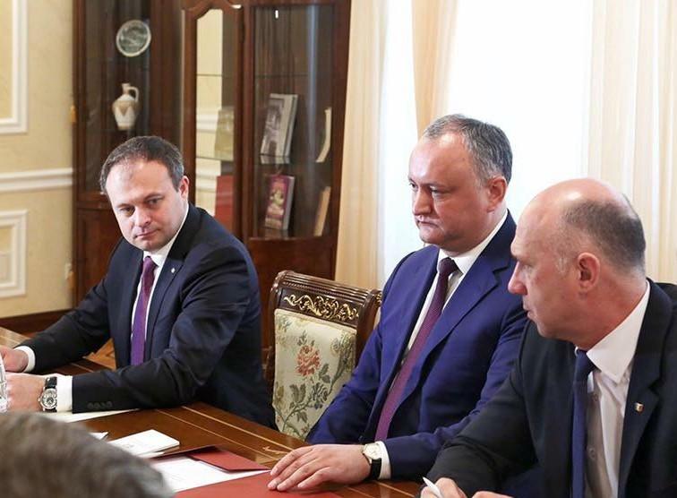 (FOTO) Dodon, Candu și Filip, din nou, împreună la sfat; Cei trei s-au întâlnit cu șefii misiunilor diplomatice acreditați la Chișinău
