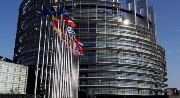 Europarlamentar: Din coaliţia pro-europeană de la Chişinău a rămas un oligarh care cooperează cu o slugă a lui Putin