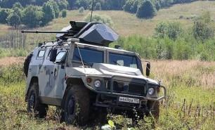 Rușii lucrează la Humvee fără pilot care poate trage singur cu tunul