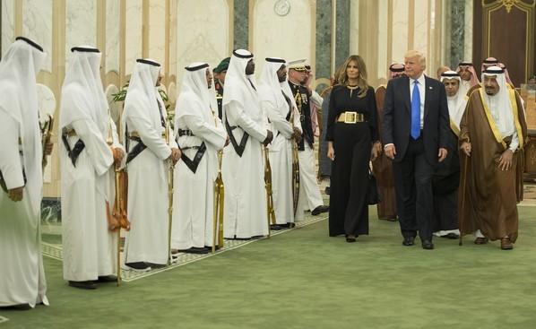 SUA şi Arabia Saudită au încheiat un acord pentru armament în valoare de 110 miliarde de dolari