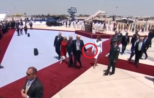 (VIDEO) Donald și Melania Trump ies în evidență cu un nou gest controversat: Cum a fost surprins cuplul în Israel