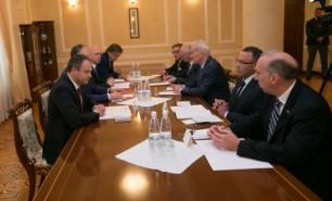 Dodon, Candu și Filip caută soluții de compromis privind problema transnistreană