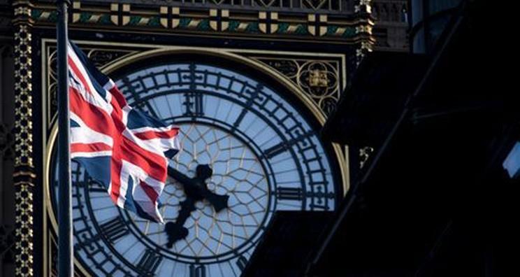 Conservatorii britanici scad puternic în sondaje: Laburiștii vin cu promisiuni generoase