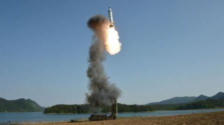 Pentagonul va testa interceptarea unei rachete intercontinentale