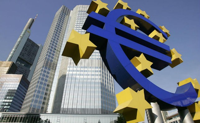 Comisar UE: Zona euro ar trebui să aibă propriul parlament şi buget