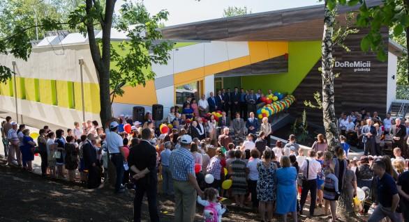 (FOTO) Prima grădiniţă de tip energo-eficient, inaugurată la Călăraşi. Costurile de întreţinere ale clădirii sunt cu 90% mai mici