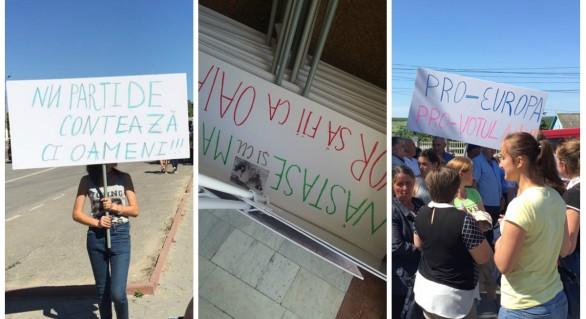 """(GALERIE FOTO) Dovada că protestele """"societăţii civile"""" de la Ialoveni, Edineţ şi Cahul au fost oganizate de guvernare"""