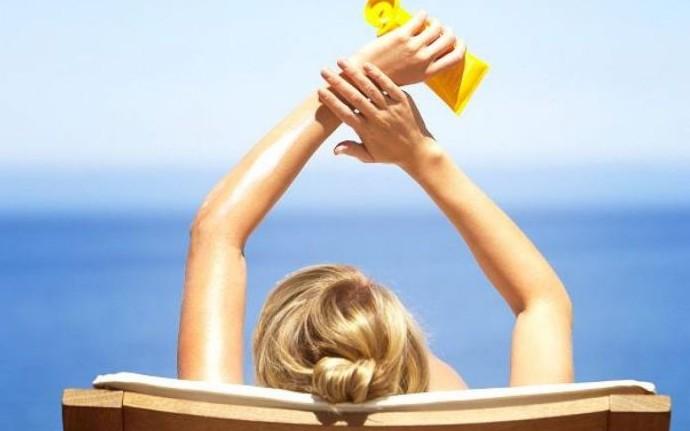 Foloseşti crema cu protecţie solară greşit? Iată 8 lucruri pe care ar trebui să nu le mai faci