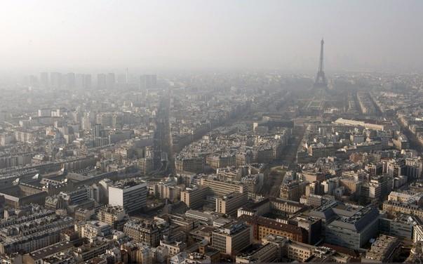 Caniculă în Europa: Poluarea a atins niveluri îngrijorătoare. Ce măsuri aplică Parisul