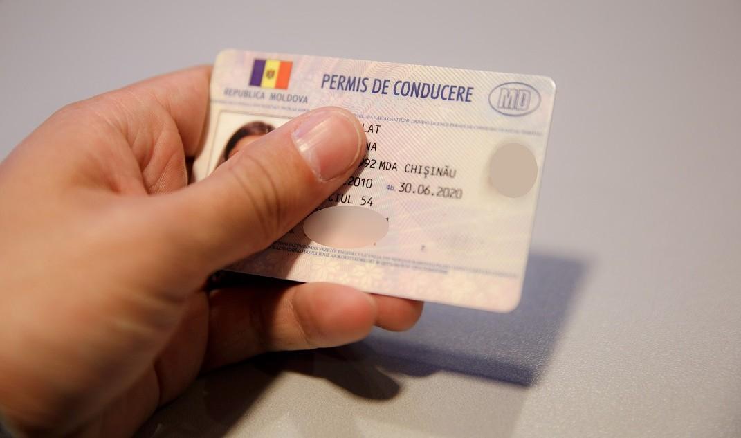 Al doilea caz de trafic de influență pentru eliberarea permisului de conducere, la doar o zi după reținerea unui bărbat