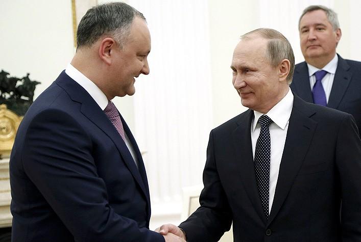 """""""Factura"""" prieteniei lui Dodon cu Putin: Gazprom vinde în Republica Moldova gaz cu 20% mai scump decât în Germania"""