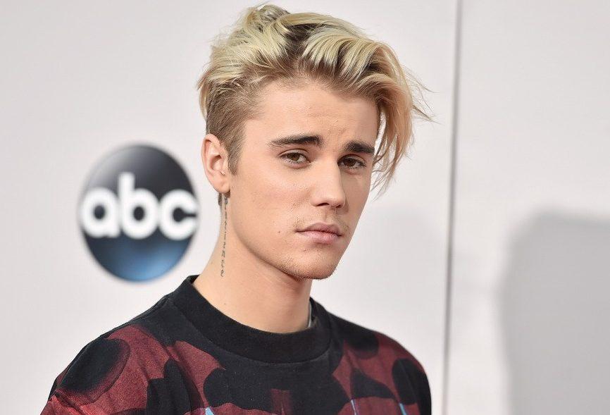 Justin Bieber a lansat un single pentru a-și liniști fanii, îngrijorați de problemele sale recente
