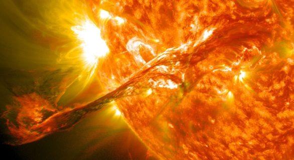 Semnal de alarmă dat de NASA: a apărut o pată uriaşă pe Soare! Efectele vor fi resimţite în curând