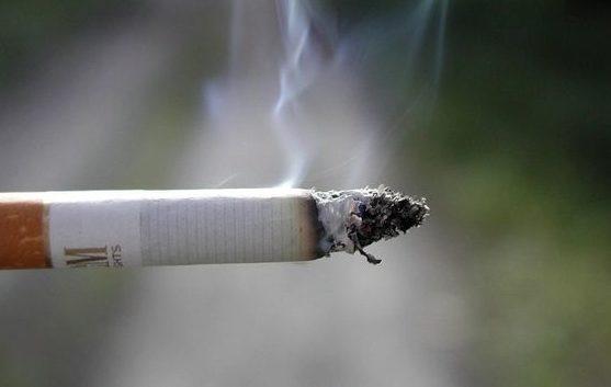 Tipul de ţigări care provoacă mult mai rapid apariţia cancerului: Majoritatea oamenilor le aleg