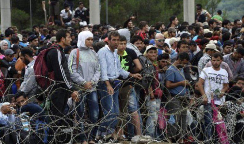România vrea să găzduiască 2 mii de refugiați aflați în Grecia și Italia