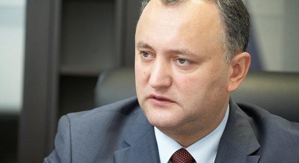 """Revenit din vacanţă, Dodon şi-a amintit că este comandant suprem al forțelor armate: """"Nu voi permite ca soldații moldoveni să fie piese în mașinăria vreunui bloc militar"""""""