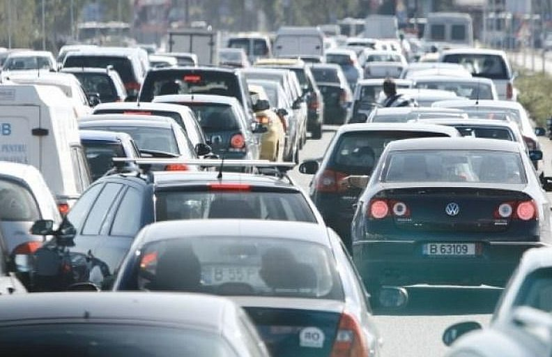 Sfaturi utile pentru orice șofer: Cum să conduci în siguranță în traficul aglomerat