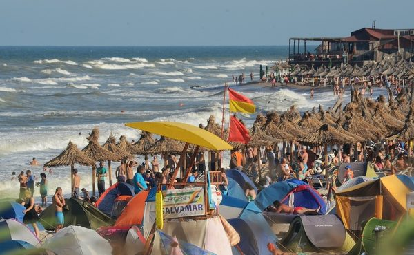 Scăldatul este interzis pe litoralul românesc: Curenții sunt puternici