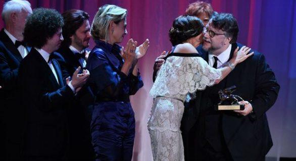 """(VIDEO) Filmul """"The Shape of Water"""" a câștigat Leul de Aur la Festivalul de la Veneția"""