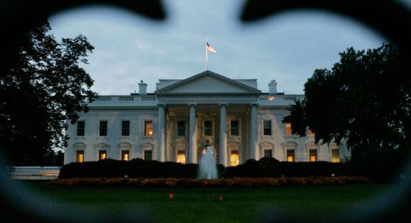 O persoană înarmată, reţinută de Serviciul Secret al SUA în apropiere de Casa Albă