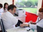 (VIDEO) Vlad Filat, escortat la un centru de diagnostic pentru investigaţii medicale