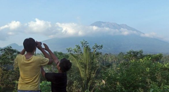 Peste 14 mii de oameni nevoiți să-și părăsească casele în Bali. Erupția vulcanică este iminentă