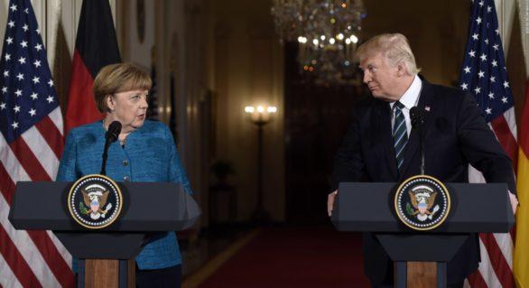 """Donald Trump a sunat-o pe Angela Merkel pentru a-i ura Germaniei """"alegeri încununate de succes"""""""