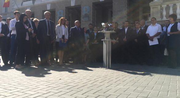 (VIDEO) Aleșii locali ai Partidului Nostru acuză noi presiuni din partea regimului de la guvernare