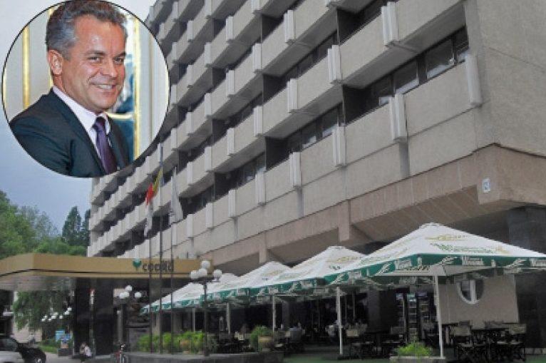 """Ministerul Economiei, dat în judecată; CPR vrea să ştie dacă Dodon a fost implicat în privatizarea hotelului """"Codru"""" de către Plahotniuc"""