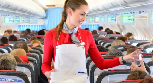 De ce nu e bine să dormi în timpul zborului. Un studiu britanic oferă răspunsul