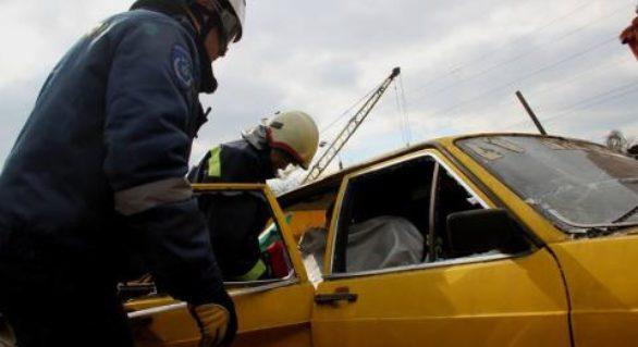 Salvatorii au descarcerat mai multe persoane în urma accidentelor produse în weekend