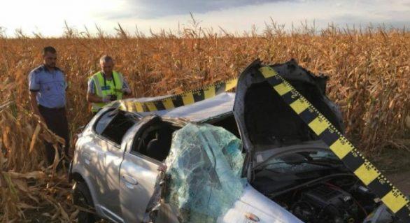 O familie de moldoveni a suferit un accident în România: Femeia a murit, iar soțul și cei doi copii sunt grav răniți