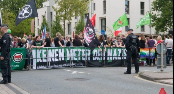 """""""Naziştii afară!"""": Sute de oameni în stradă împotriva AfD, după alegerile din Germania"""