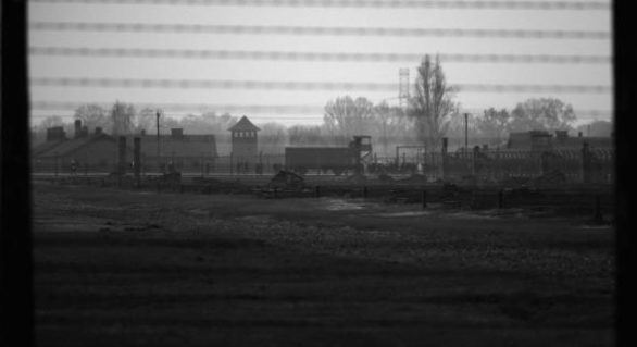 Fost deputat, condamnat să viziteze lagărele de concentrare naziste