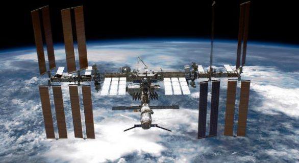 Alertă pe ISS: Astronauții au primit ordin să intre într-un refugiu orbital