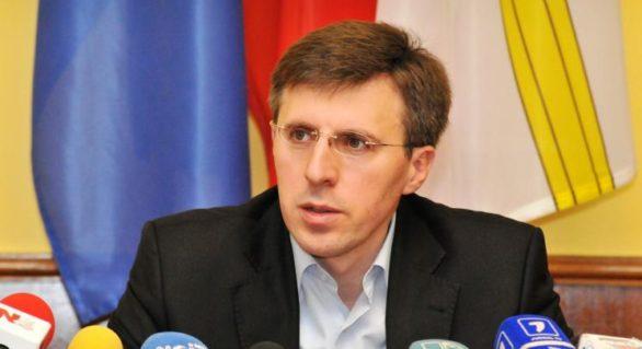 (DOC) CMC decide astăzi soarta lui Chirtoacă; Socialiştii propun referendum pe 19 noiembrie