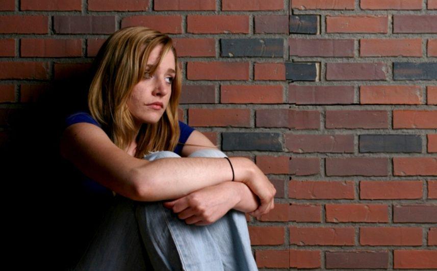 (RAPORT) Educația reduce riscul de a suferi de depresie: Iată explicația