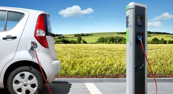 (STUDIU) Cât vor ajunge să coste mașinile electrice în 2025