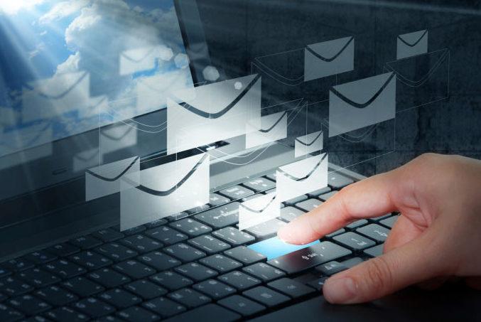 Atenţie! Dacă mailul tău e pe această listă, ar trebui să-ți schimbi imediat parola